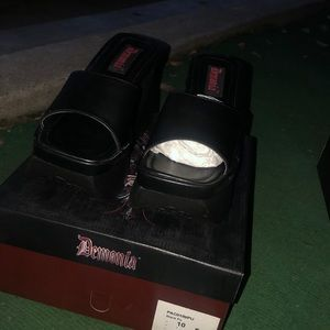 Demonia sandals new
